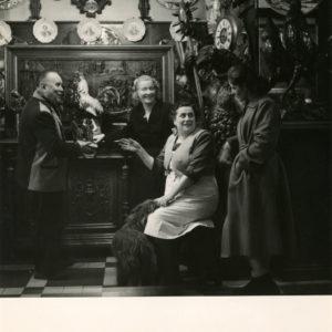 Café Paris par Robert DOISNEAU - Tirage argentique original 1960 - 19x18 cm