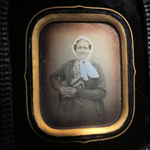 DAGUERREOTYPE Second Empire 1/6 de Plaque - Une Paysanne - 9 x 7 cm