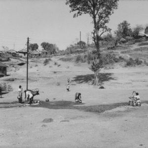 F. BRENNER Diaspora - Sideshwar, Pali, Maharashtra, INDE 1986 - Tirage Original 46x31cm