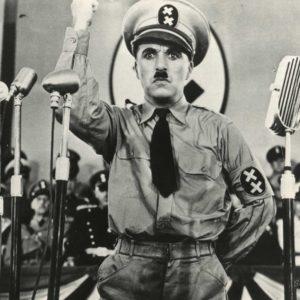 """Charlie CHAPLIN - Photo CHARLOT """"Le DICTATEUR"""" 1940 - Tirage Argentique 23x16cm"""